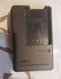 Carregador de Bateria Modelo BC-11L para Câmeras Casio