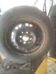 Vendo uma Roda 13 com pneu para estepe