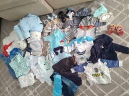 Lote bebê Menino do P ao G contendo 53 itens em ótimo estado