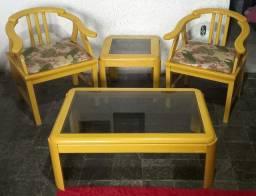 Conjunto de cadeira de Madeira