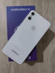 Celular Motorola one 64 gb