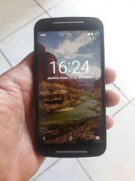 Celular Moto G2 todo bom pega e usa
