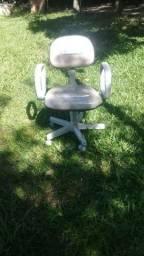 Vendo cadeira secretária