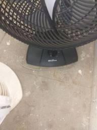 Vende-se 2 ventilador pra concertar