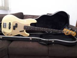Fender Precision Bass Special USA.