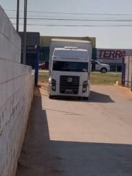 Caminhão 24-250
