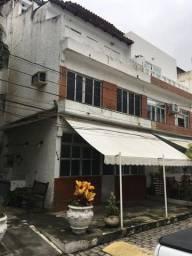 Casa tríplex imperdível em frente à praia da Barra