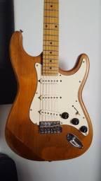 Guitarra Artwood Stratocaster caps. Fender