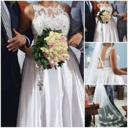 Vestido de noiva Princesa com pedraria! 42 a 44 ajustável