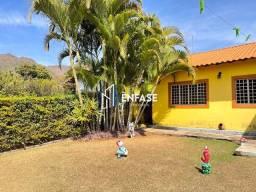 Título do anúncio: Sítio com quintal espaçoso e jardim moderno