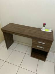 Mesa de escrivaninha