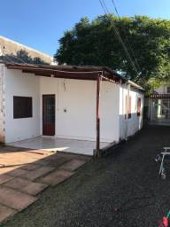 Alugo casa em Niterói