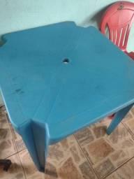 Mesa e 2 cadeiras