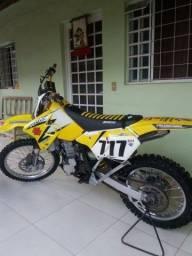 Moto de trilha drz400