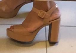 Sandália nude rosado