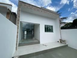 Casa no Parque das Laranjeiras   Com 3 dormitórios  3 vgs de garagem.
