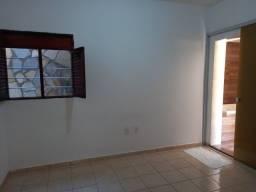 COD C-86 Casa no Muçumagro 2 quartos Bem localizado