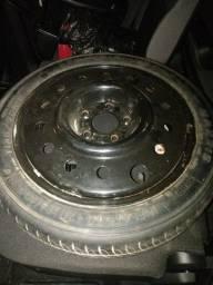Vendo 4 pneus 235/65/17 pneu semi novo 6 meses de uso