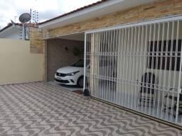 COD C-33 Casa no Bairro do Cuia com 3 quartos bem localizada com piscina