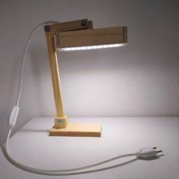 Luminária Abajur de led articulada e artesanal