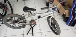 Bicicleta aro 20 cromada Seminova