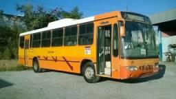 Vendo troco ônibus MB - 2003