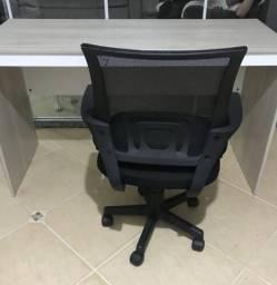 Cadeira de Escritório pouco tempo de uso!