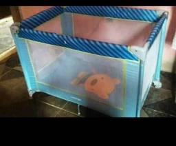Berço/ cercadinho para bebês