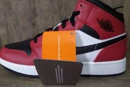 Tênis Nike Jordan Mid