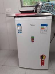 Frigobar 124 litros