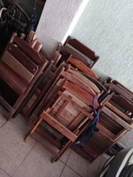 Vendo cadeiras e mesas de madeira