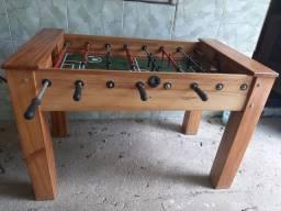 Mesa de toto em madeira maciça