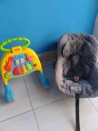 Andador Fisher price +cadeira bebê conforto