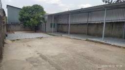 Aluguel de lote com galpãozinho no centro de Igarapé