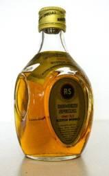Whisky Rodger's Special Scotch - 375 ml Tem uma pequena evaporação .