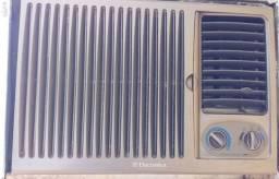 Ar condicionado Eletrolux 220v 7500btus gela demais