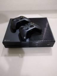 Xbox one 2 manetes semi novo completo