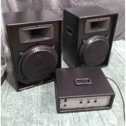 """Amplificador200wrms+2 caixas 12""""polegadas 100wrms cada"""