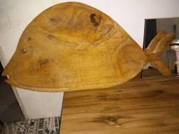 Vendo peixe de madeira