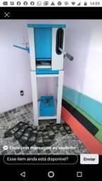 Máquina de fazer sandálias