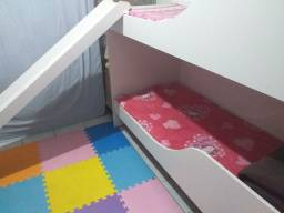 Beliche infantil com escorregador e gavetas