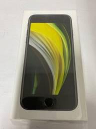 iPhone SE preto 64gb
