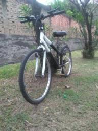 Bicicleta MTB Aro 24 com freios V-brake