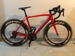Specialized Tarmac 2019 tamanho 54 com rodas zipp toda em carbono