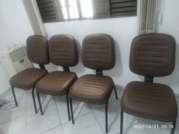 Vendo 4 cadeiras almofadas novíssimas Pres Prudente