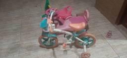 Bicicleta infantil, patinete infatil e velocípe