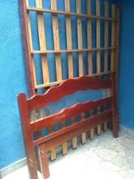 Cåma de madeira