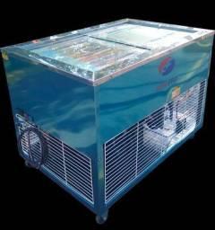 Picoleteira com capacidade produtiva de até 440-560 picolés/h