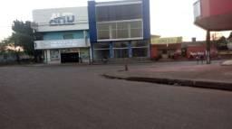 Vende-se imóvel na avenida Jatuarana
