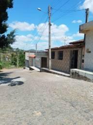 Vendo uma casa em Itapetinga